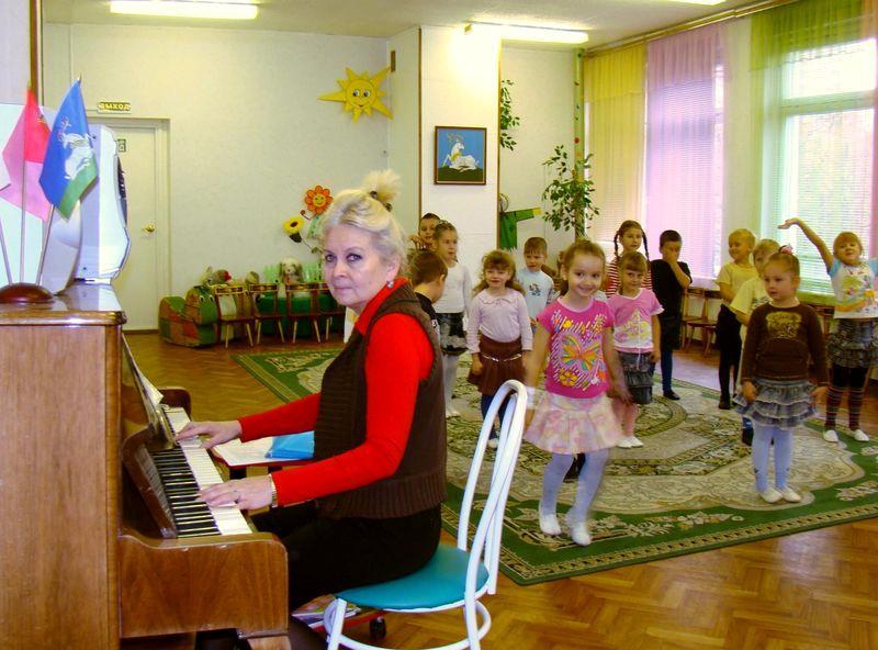 задачи музыкального воспитания в таблицах